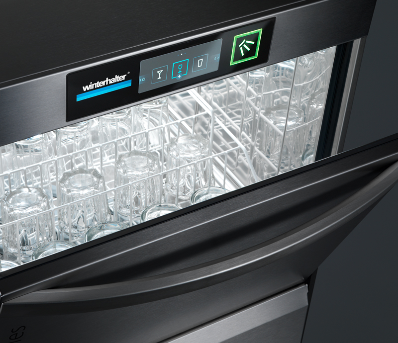 Glasswashing with the new undercounter warewasher of the UC Series